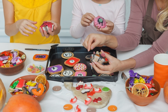 ハロウィンのお菓子を配るなら手作り?それとも市販品?